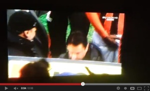 VIDEO - Il gesto di Balotelli che imbarazza tutti